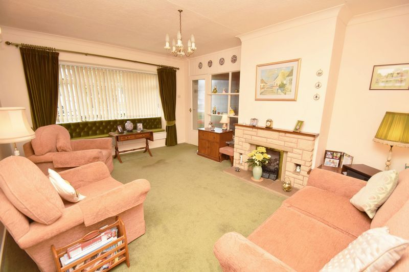 2 bed bungalow for sale in Stourton Crescent 5