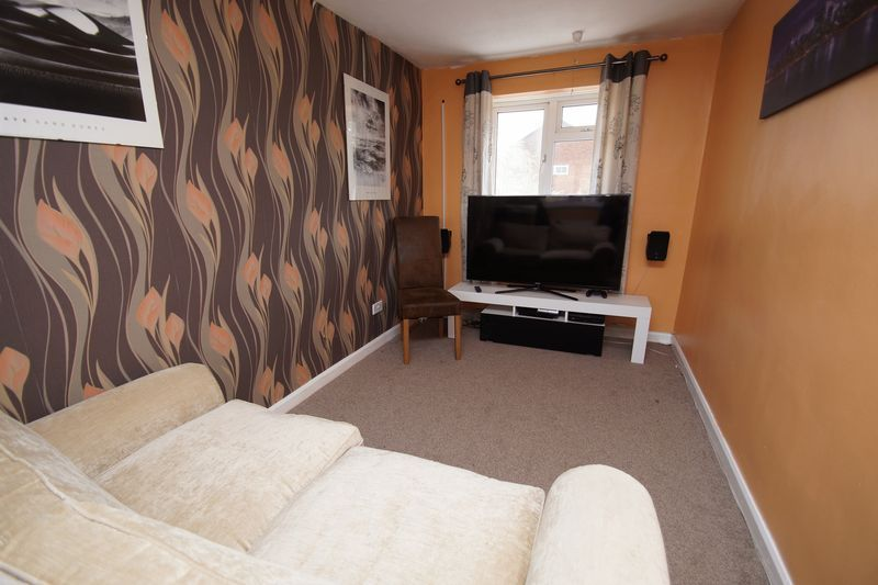 4 bed house for sale in Meriden Close 12