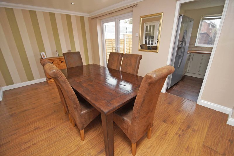 4 bed house for sale in Meriden Close  - Property Image 3