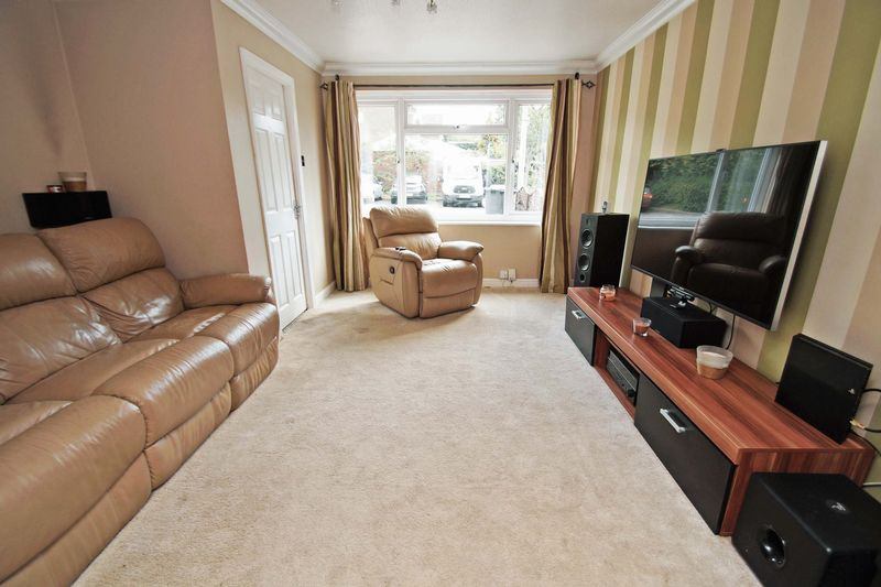 4 bed house for sale in Meriden Close 4