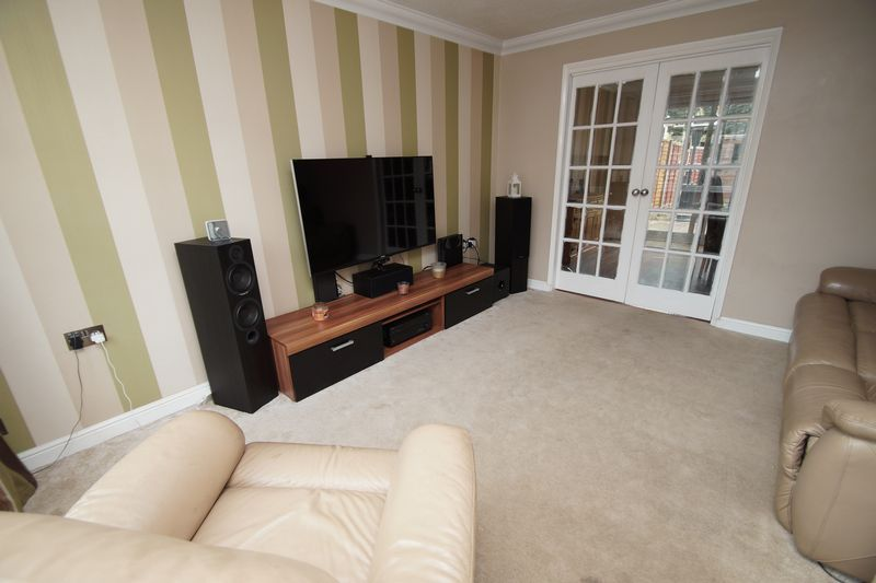 4 bed house for sale in Meriden Close 6