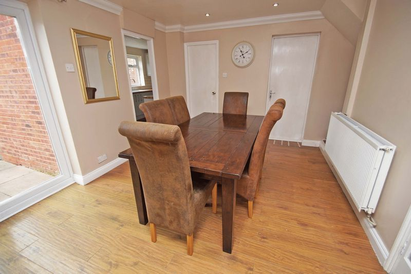 4 bed house for sale in Meriden Close 7