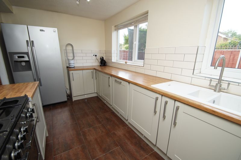 4 bed house for sale in Meriden Close  - Property Image 8