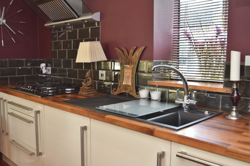 3 bed  for sale in County Lane  - Property Image 5