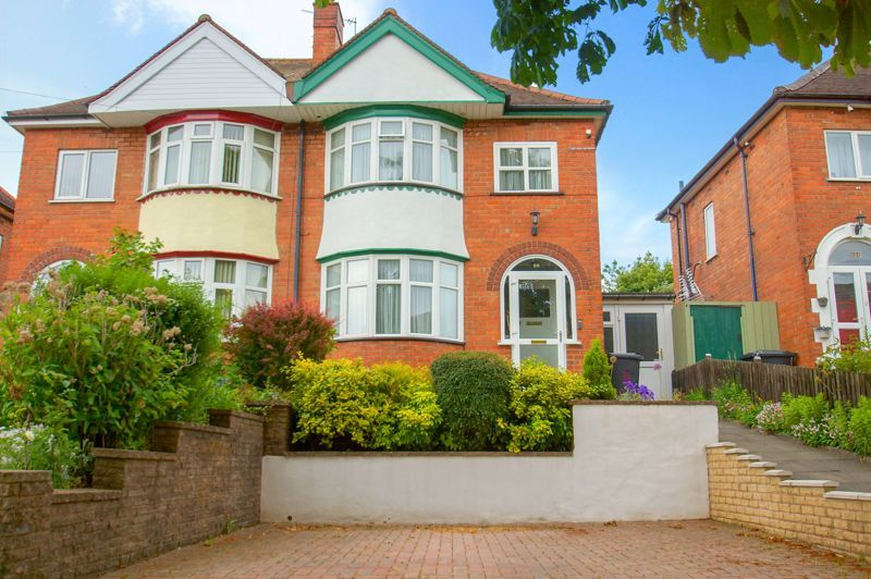 3 bed house for sale in Clive Road  - Property Image 1