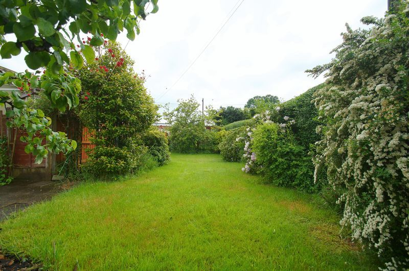 3 bed house for sale in Chequers Lane 15