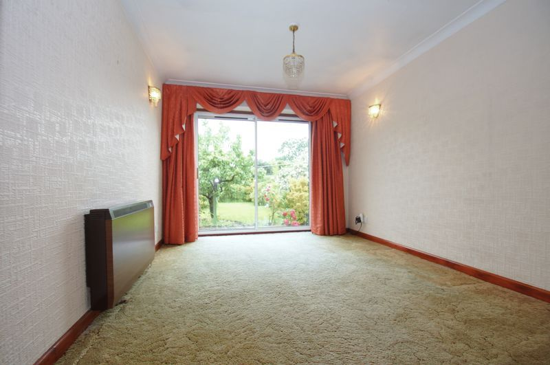 3 bed house for sale in Chequers Lane  - Property Image 5