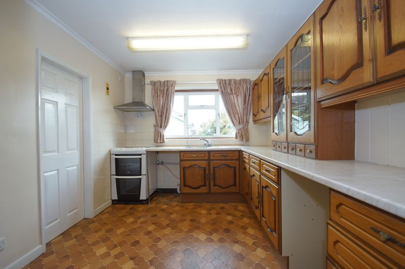 3 bed house for sale in Chequers Lane 7