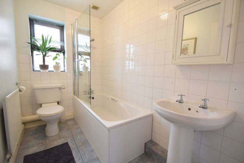 4 bed house for sale in Cathcart Road  - Property Image 14