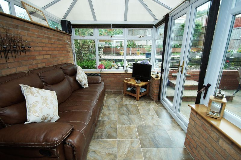 3 bed house for sale in Berrington Close 2