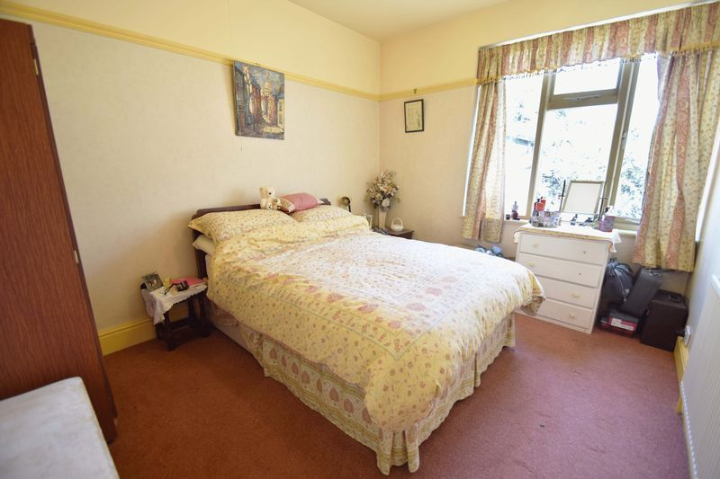 2 bed bungalow for sale in Duncombe Street 11