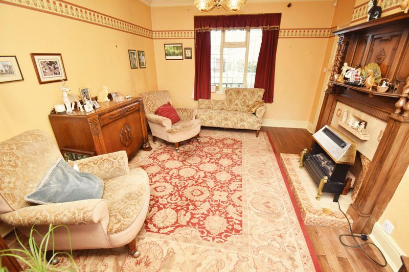 2 bed bungalow for sale in Duncombe Street 4