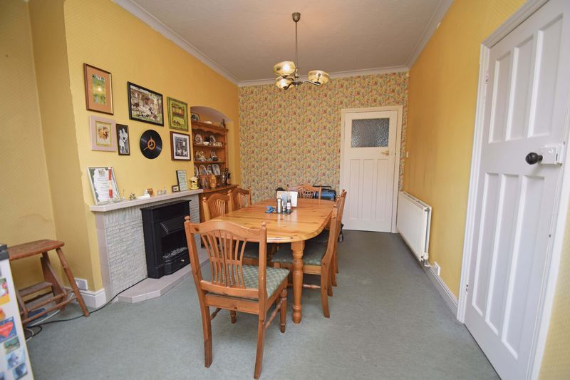 2 bed bungalow for sale in Duncombe Street  - Property Image 6