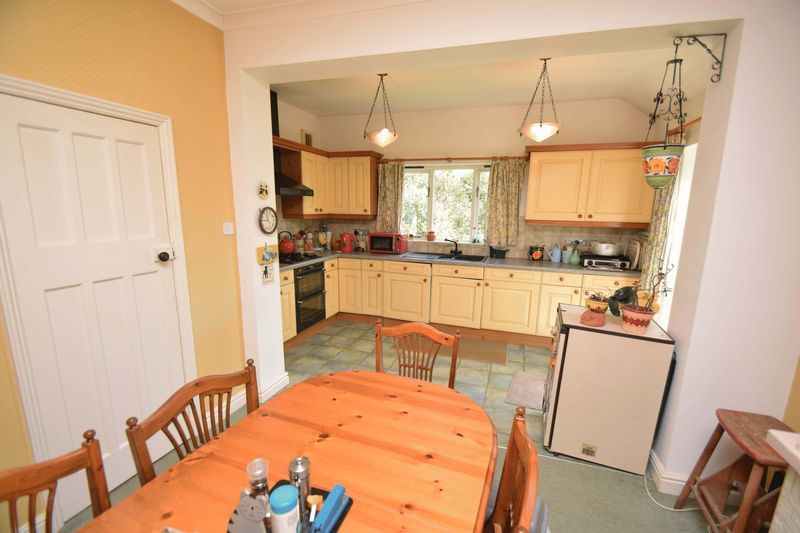 2 bed bungalow for sale in Duncombe Street  - Property Image 7