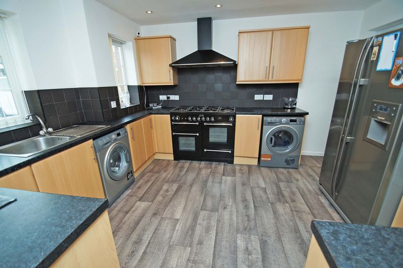 4 bed house for sale in Holmes Drive 2
