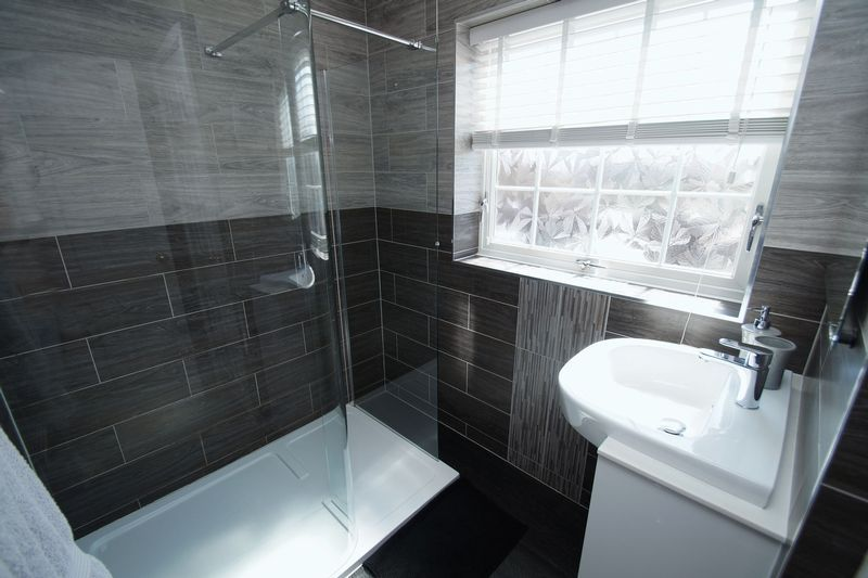 4 bed house for sale in Holmes Drive  - Property Image 16