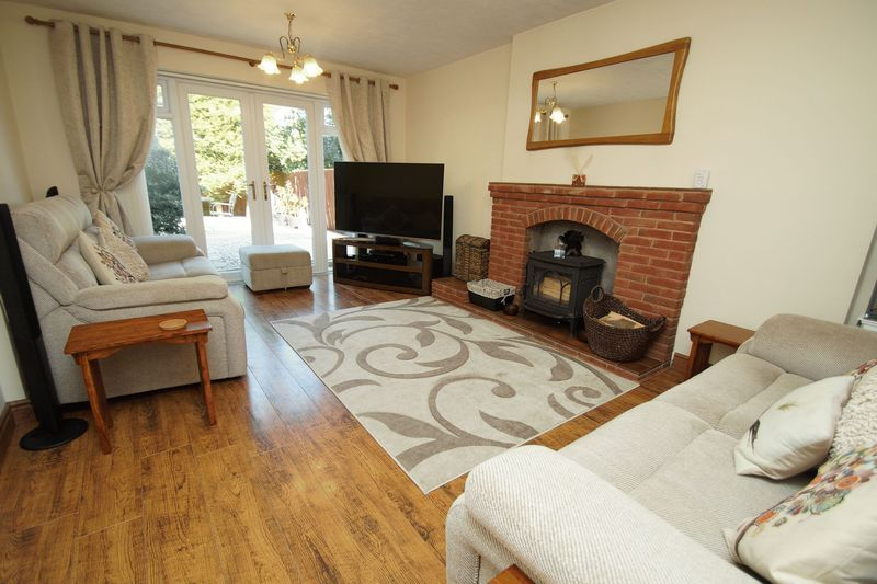 4 bed house for sale in Holmes Drive  - Property Image 3