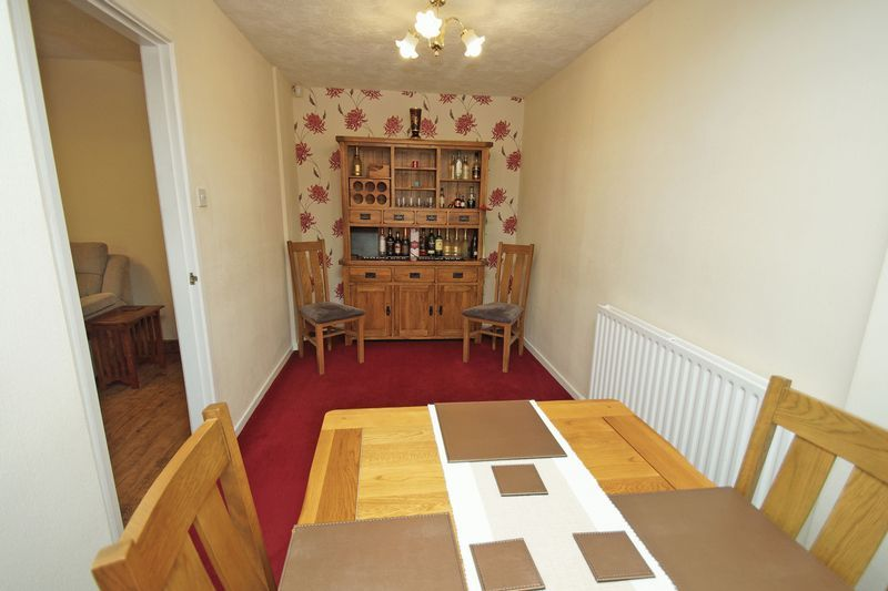 4 bed house for sale in Holmes Drive 5