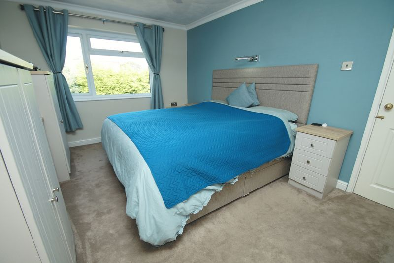 4 bed house for sale in Holmes Drive 10
