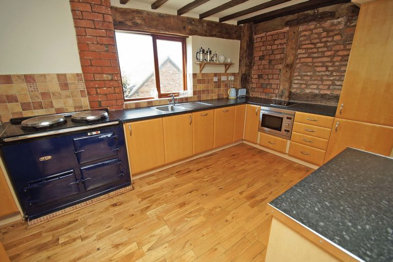 4 bed  for sale in Grafton Lane 11