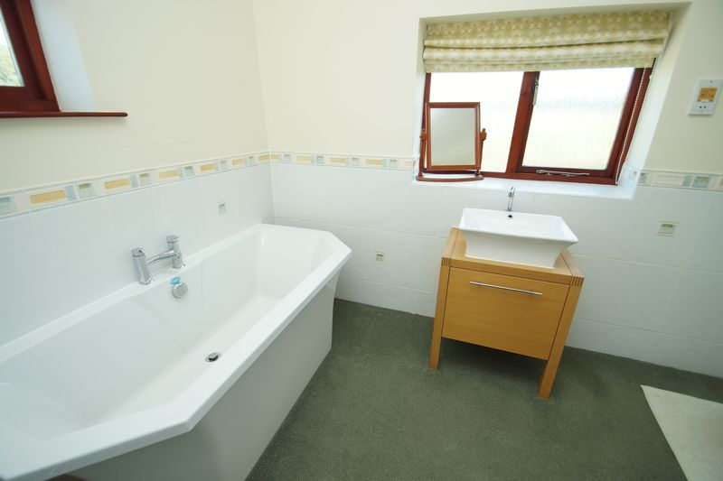 4 bed  for sale in Grafton Lane  - Property Image 17