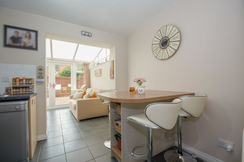 2 bed house for sale in Perryfields Close 4
