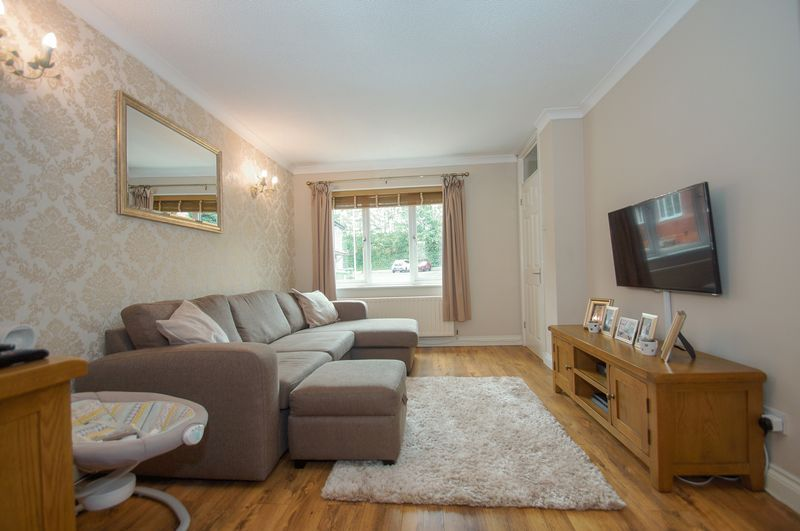2 bed house for sale in Perryfields Close 5