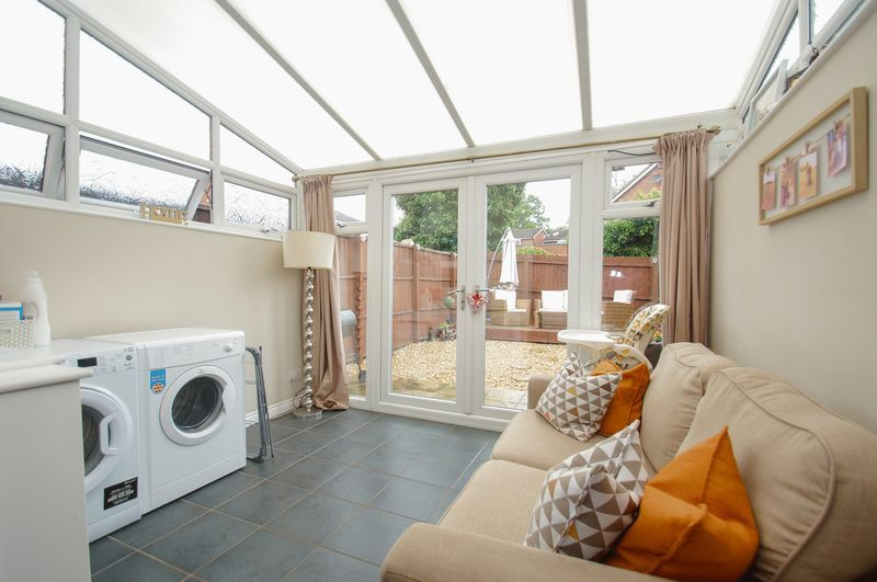 2 bed house for sale in Perryfields Close 7