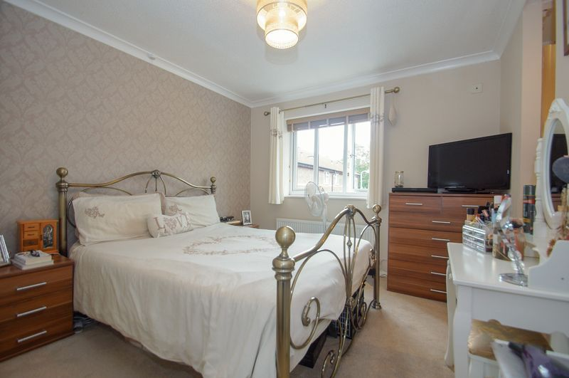 2 bed house for sale in Perryfields Close  - Property Image 8