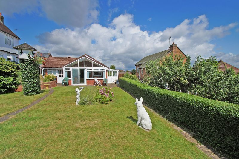 2 bed bungalow for sale in Millfield Road 12