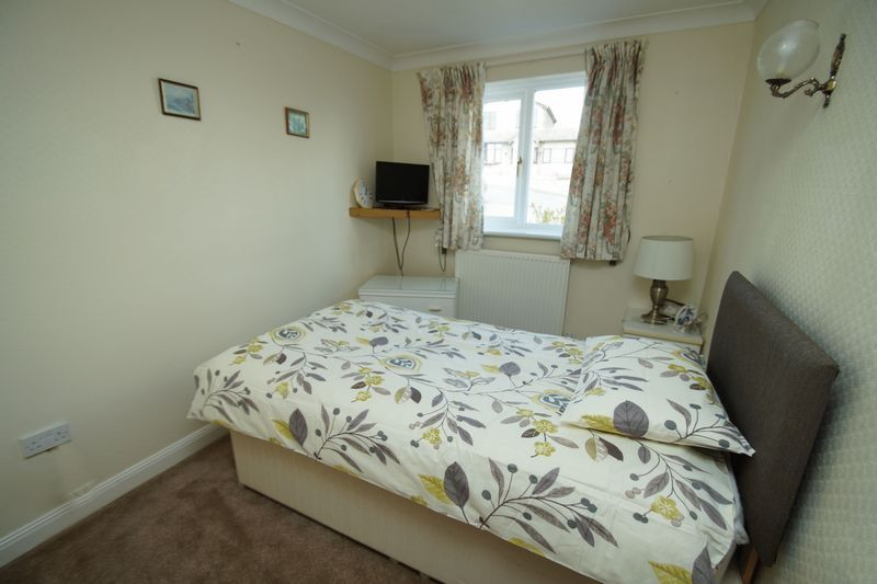 2 bed bungalow for sale in Millfield Road 8