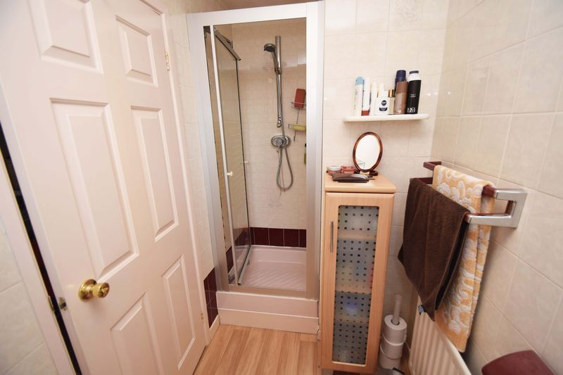 4 bed house for sale in Cornwell Close  - Property Image 15