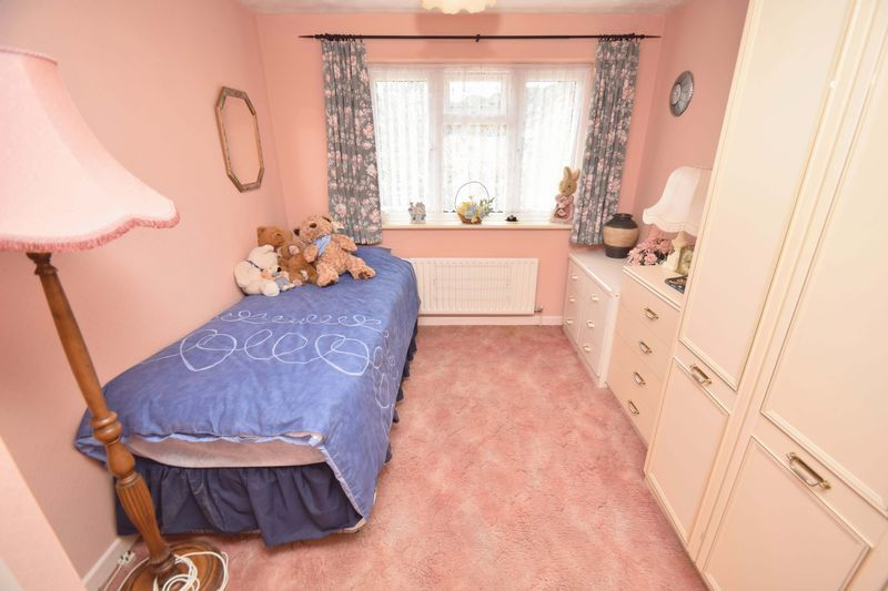 4 bed house for sale in Cornwell Close 16