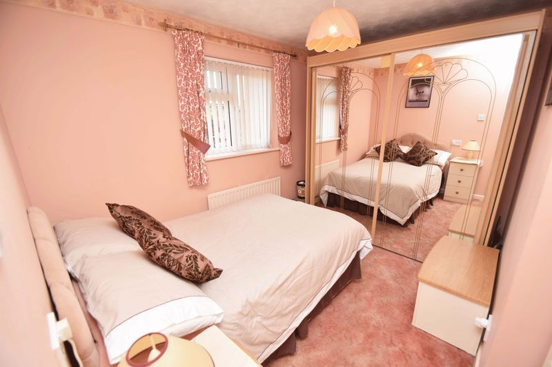 4 bed house for sale in Cornwell Close 17