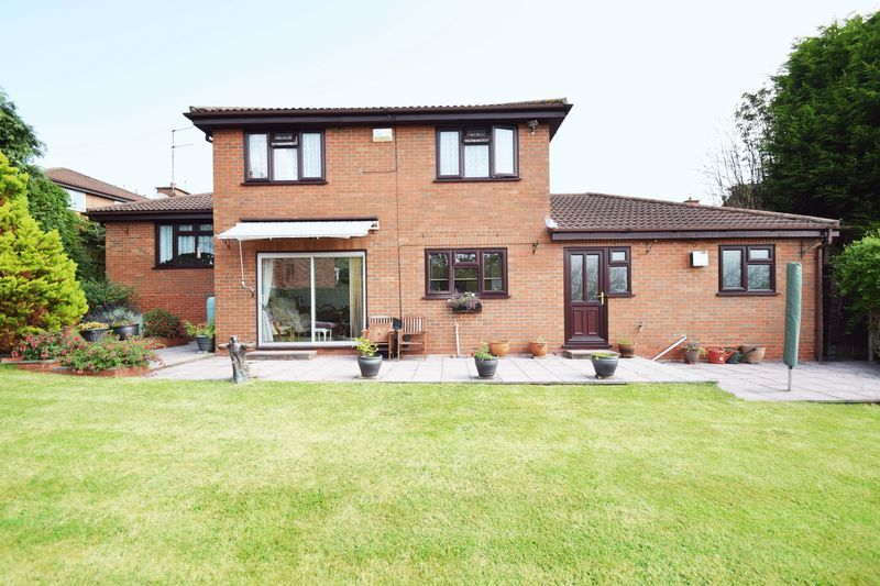 4 bed house for sale in Cornwell Close 19