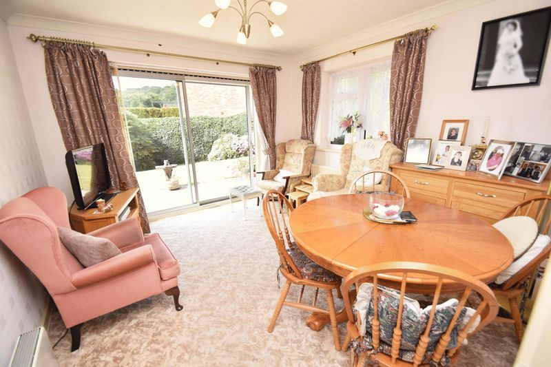 4 bed house for sale in Cornwell Close  - Property Image 5