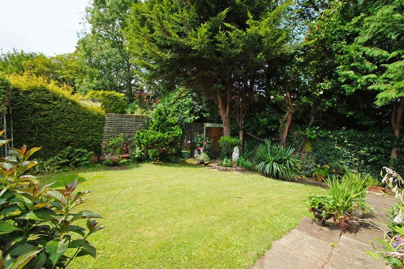 2 bed bungalow for sale in Manor Court Road  - Property Image 11