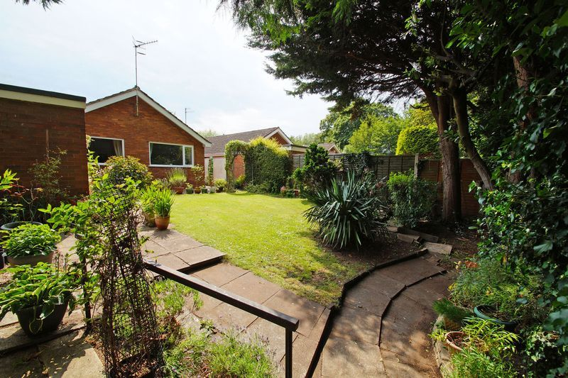 2 bed bungalow for sale in Manor Court Road 13
