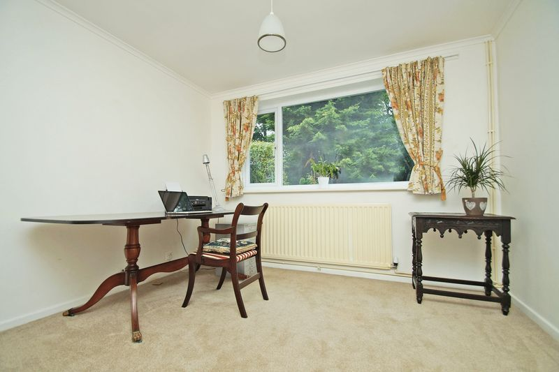 2 bed bungalow for sale in Manor Court Road  - Property Image 8