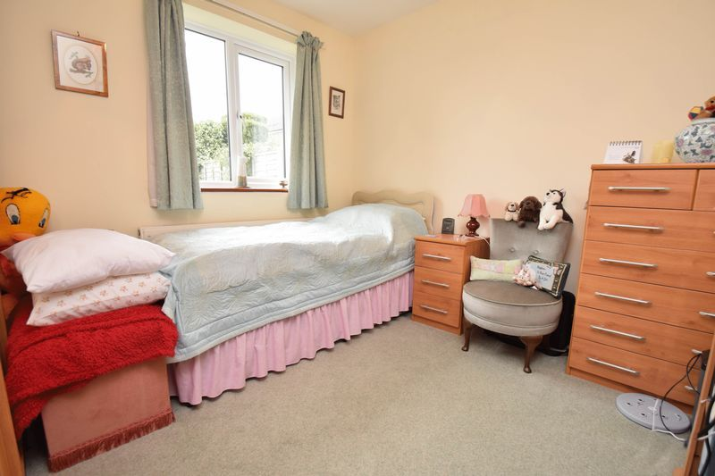 2 bed bungalow for sale in The Brambles 9