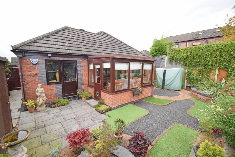 2 bed bungalow for sale in The Brambles  - Property Image 10