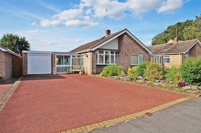 3 bed bungalow for sale in Love Lane - Property Image 1