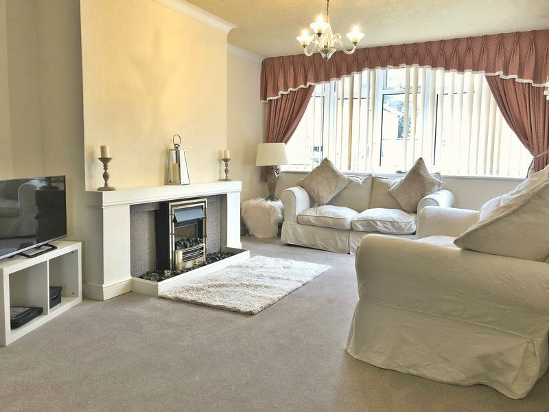 3 bed bungalow for sale in Love Lane 2