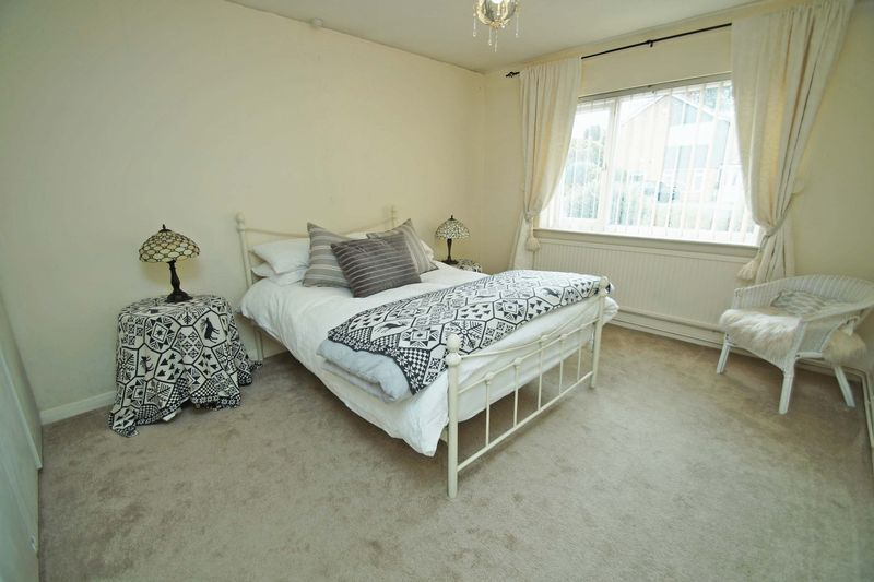 3 bed bungalow for sale in Love Lane 13