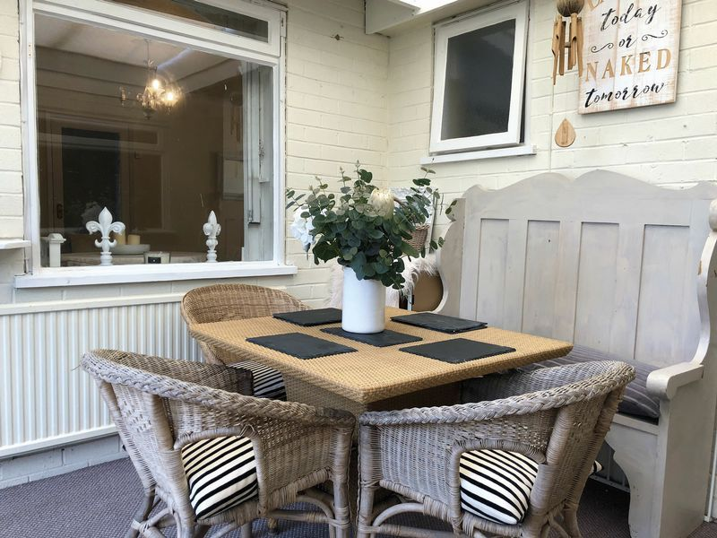3 bed bungalow for sale in Love Lane 4