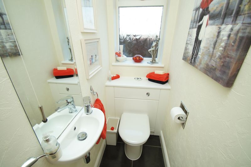 2 bed bungalow for sale in Tennyson Road 11