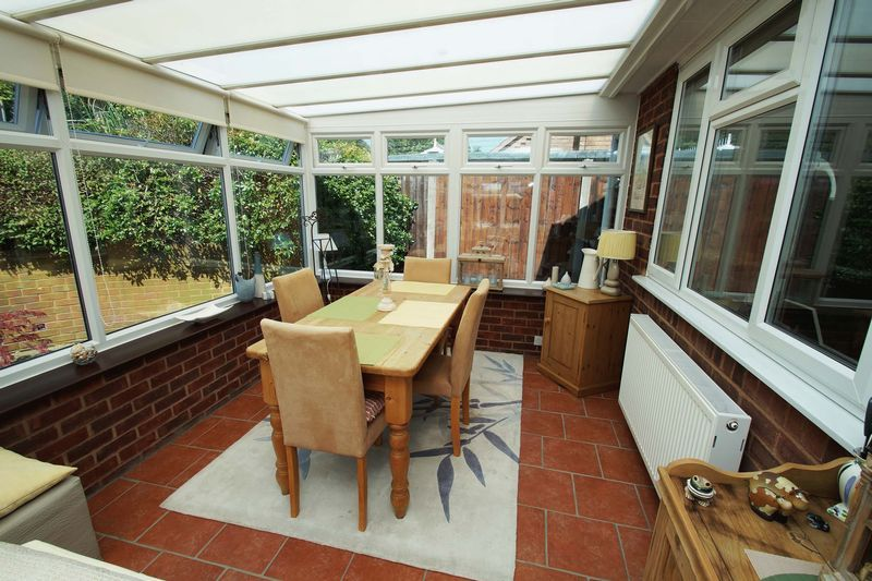 2 bed bungalow for sale in Tennyson Road 5