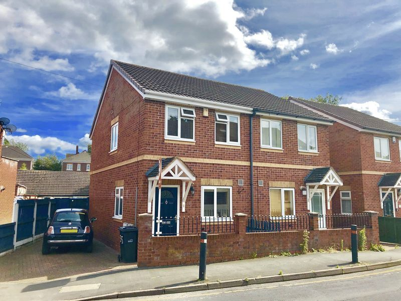 2 bed house for sale in Kinver Street - Property Image 1