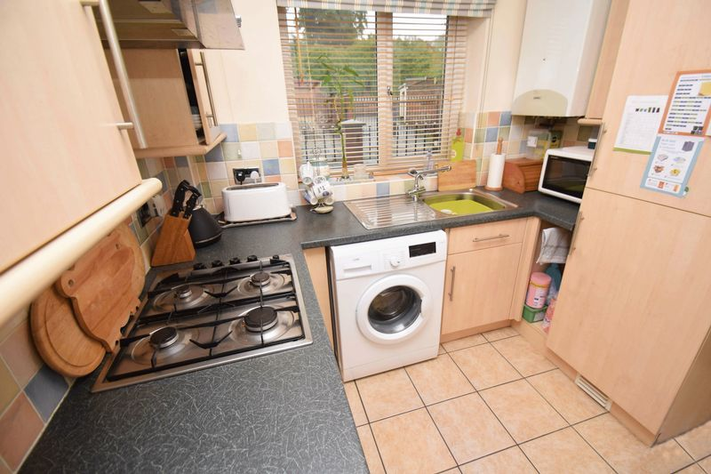 2 bed house for sale in Kinver Street  - Property Image 5