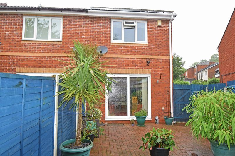 2 bed house for sale in Kinver Street  - Property Image 10